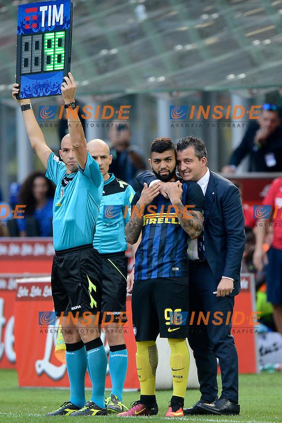 Gabriel Barbosa Inter con Fabio Pinna<br /> Milano 25-09-2016 Stadio Giuseppe Meazza - Football Calcio Serie A Inter - Bologna. Foto Giuseppe Celeste / Insidefoto