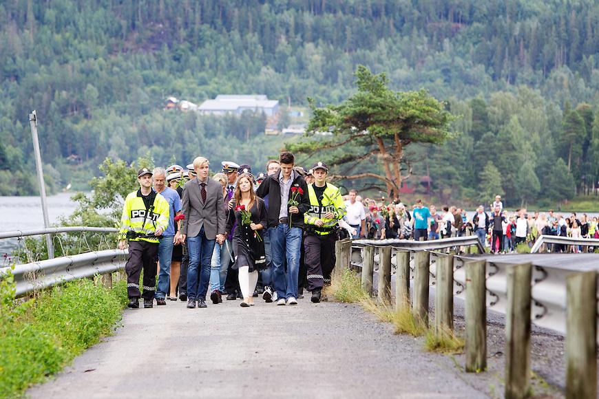 Vik, 20110726. Markering for Utøya, på Vik i Hole kommune. terror oslo utøya.  Foto: Eirik Helland Urke / Dagbladet