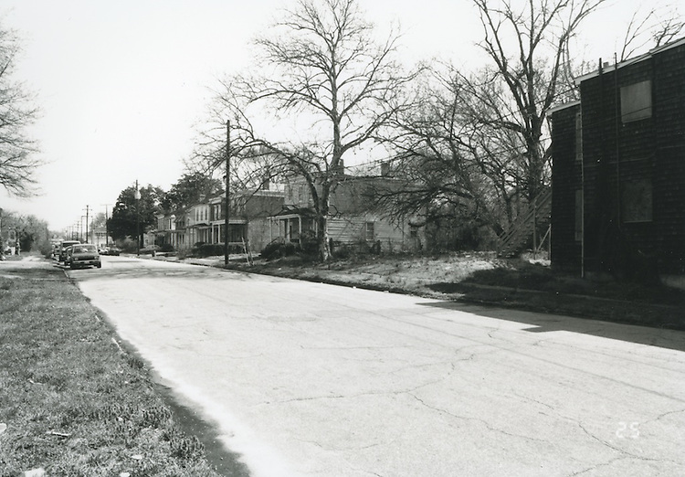 1994 April 01..Conservation.Central Brambleton.Street Study Maltby Avenue..Looking North at East Side....NEG#.NRHA#.04/94  CONSERV: CBramb  2  21:4  25..