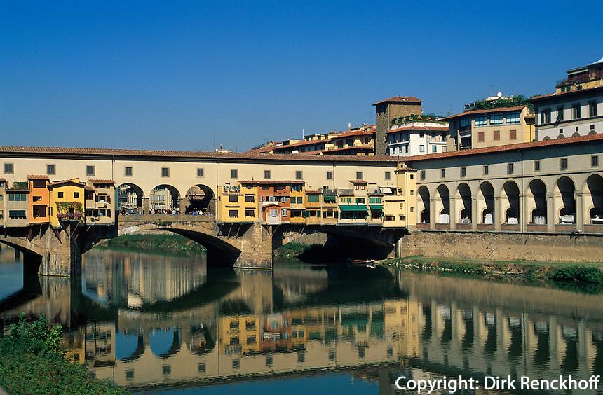 Ponte Vecchio über den Arno, Florenz, Toskana, Italien, Unesco-Weltkulturerbe
