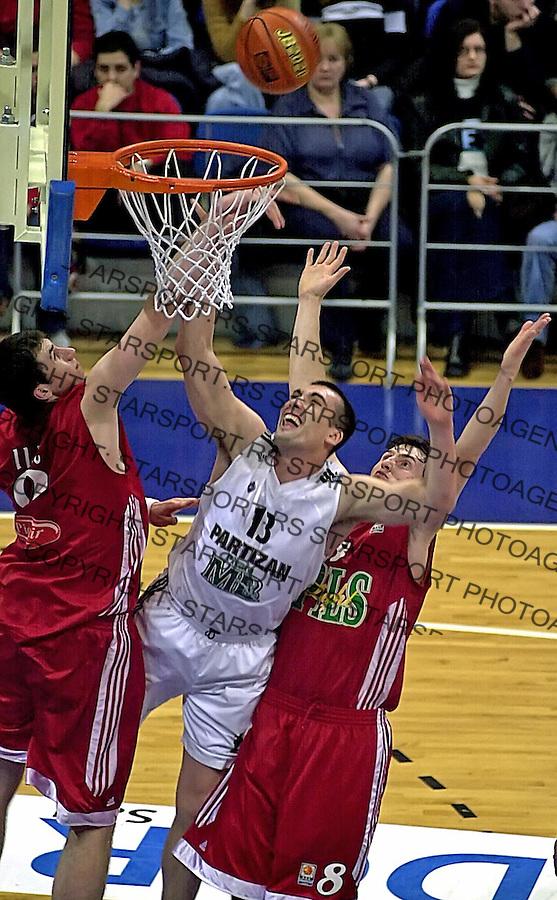 SPORT KOSARKA KUP RADIVOJA KORACA PARTIZAN REFLEKS REFLEX Vrsac Mile Ilic Dejan Milojevic Jorovic 20.2.2005. foto: Pedja Milosavljevic<br />