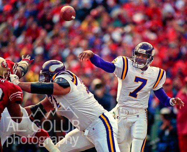 San Francisco 49ers vs. Minnesota Vikings at Candlestick Park Saturday, January 3, 1998.  49ers beat Vikings  38-22.  Minnesota Vikings quarterback Randall Cunningham (7).