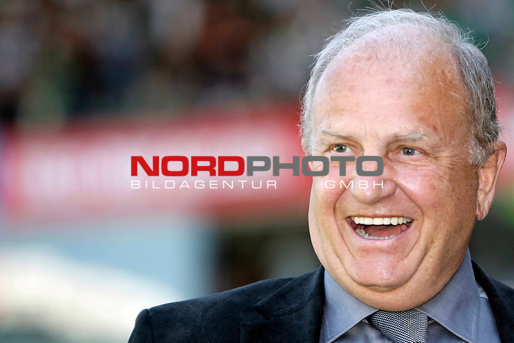 FBL 2007/2008 33. Spieltag - R&uuml;ckrunde<br /> Werder Bremen - Hannover 96 6;1 ( 2:0 )<br /> <br /> J&uuml;rgen L. Born (Vorsitzender der Gesch&auml;ftsf&uuml;hrung und Gesch&auml;ftsf&uuml;hrer Finanzen und &Ouml;ffentlichkeitsarbeit)<br /> <br /> Foto &copy; nph (nordphoto )<br /> <br /> <br /> <br />  *** Local Caption ***