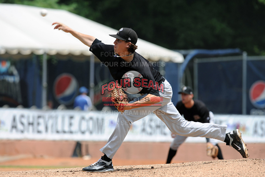 Savannah Sand Gnats starting pitcher Jacob DeGrom #10 delivers a pitch during a game against the Asheville Tourists at McCormick Field on August 5, 2012 in Asheville, North Carolina. The Tourists defeated the Sand Gnats 5-4. (Tony Farlow/Four Seam Images).