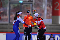 SPEED SKATING: INZELL: 04-12-2015, Max Aicher Arena, ISU World Cup, 500m Ladies, B-division, Yekaterina Shikova (RUS), Janine Smit (NED), Xin Zhang (CHN), ©foto Martin de Jong