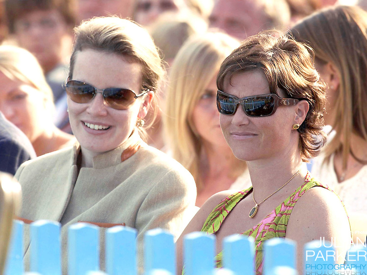 CONCERT IN BERGHOLM TO CELEBRATE CROWN PRINCESS VICTORIA.OF SWEDEN'S 25TH BIRTHDAY.  14/7/02 . PICTURE: UK PRESS  (ref 5105-32).PRINCESS MARTHA LOUISE AND PRINCESS MATHILDE.
