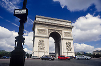 Frankreich, Paris: der Triumphbogen - Arc de Triomphe - am Place Charles de Gaulle | France, Paris: Arc de Triomphe at Place Charles de Gaulle