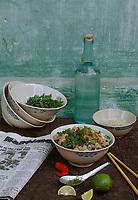 Asie/Vietnam/Hanoi: Soupe Pho, bouillon emblématique de la cuisine vietnamienne