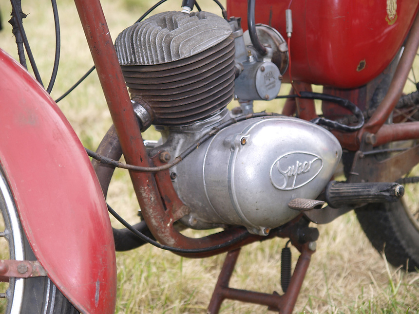 Motorbike Images, Motorbike Pictures, Old Motorbikes, Classic Motorbikes, Photos of Motorbikes, Photos of Motorcycles, Old Motorcycles, Classic Motorcycles, Motorcycle Images, Motorcycle Pictures, Images of Motorbikes, Images of Motorbikes, Pictures of Motorbikes, Pictures of Motorcycles, Motorbike Pictures, peter barker, pete barker, imagetaker1, imagetaker!,  Rides, BSA 125cc Bantam D1  Motorcycles - 1961, BSA Motorbikes, BSA Motorcycles, BSA 125cc Bantam D1  Motorcycle Engine - 1961, BSA Motorbike Engine, BSA Motorcycle Engine,