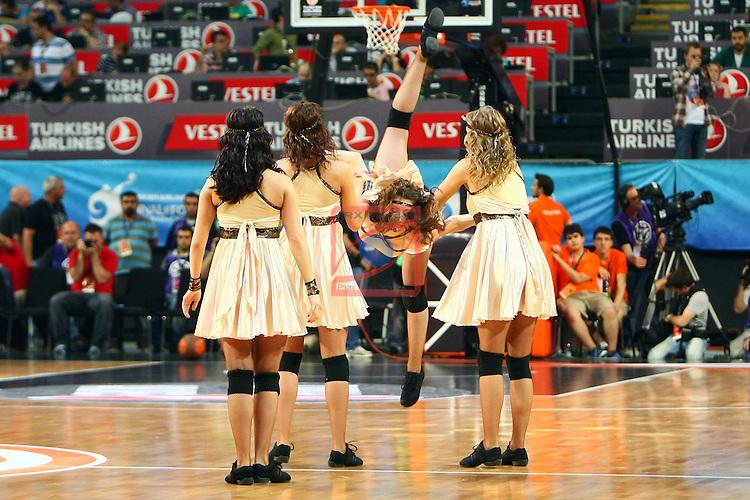 Zalguiris Cheerleaders (Cheer Up Dancers). CSKA Moscow vs Panathinaikos: 66-64 - Semifinal Final Four Istanbul 2012.