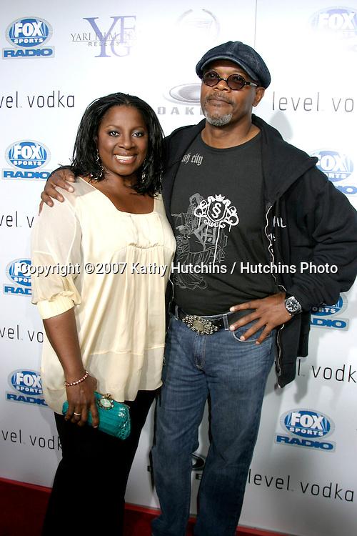 "LaTanya Richardson & Samuel L. Jackson.""Resurrecting The Champ"" Premiere.Beverly Hills,  CA.Aug 22, 2007.©2007 Kathy Hutchins / Hutchins Photo...."