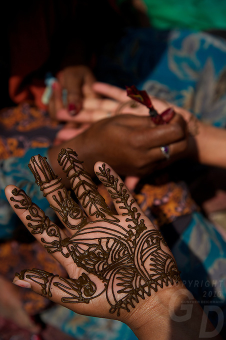 Hana Tattoo during the Balaju mela Hindu bating festival, Kathmandu, Nepal