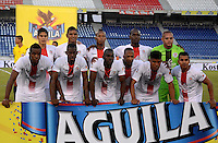 BARRANQUILLA- COLOMBIA - 12-09-2015: Jugadores de Cortulua posan para una foto previo al encuentro con Uniautonoma por la fecha 12 de la Liga Aguila II 2015 jugado en el estadio Metropolitano / Players of Cortulua pose toa photo prior a match against Uniautonoma for the twelfth date of the Liga Aguila II 2015 played at Metropolitano  stadium in Barranquilla  city. Photo: VizzorImage / Alfonso Cervantes / Contribuidor