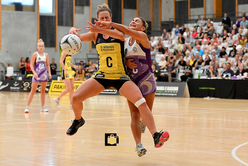 Pulse&rsquo; Claire Kersten and Stars&rsquo; Temepara Bailey in action during the  Netball Pre Season Tournament - Pulse v Stars at Ngā Purapura, Otaki, New Zealand on Saturday 9 February  2019. <br />
