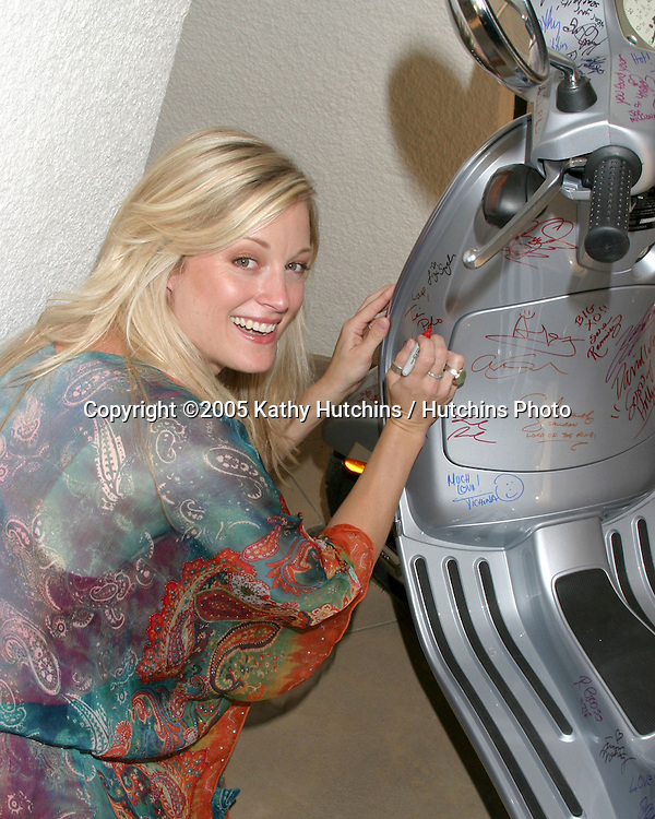 Teri Polo.GBK Productions Emmy Gifting Lounge.Sofitel Hotel.August 24, 2006.©2006 Kathy Hutchins / Hutchins Photo....                 .