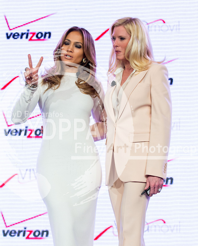 Jennifer Lopez, Marni Walden. 22 05 2013. las Vegas. Nevada. Verizon. Viva movil by Jennifer Lopez. Photo by Media Punch/Unimedia Images/ DyD Fotografos