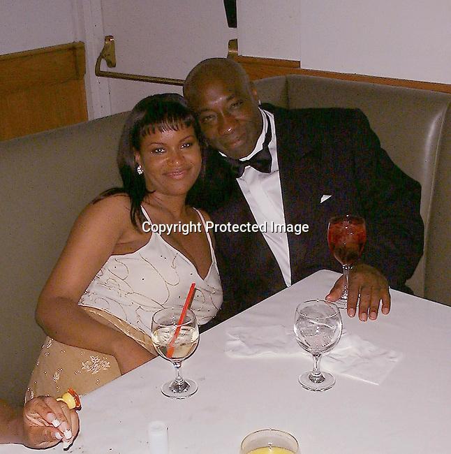 Michael Clark Duncan<br />2000 Vanity Fair Post Oscar Party<br />Morton's Restaurant<br />Los Angeles, California, USA<br />March 26, 2000<br />Photo by Celebrityvibe.com