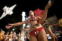 Una de las integrantes del cuerpo de baile de La Melaza interactuando con el pu?blico.  ..La Melaza.  Desfile de Llamadas 2009.  ..La Melaza.  The Llamadas parade 2009.
