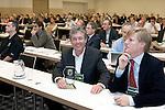 EGCOA congres; Marcel Welling met zijn ontvangen Award. rechts NGA-direkteur Lodewijk Klootwijk.