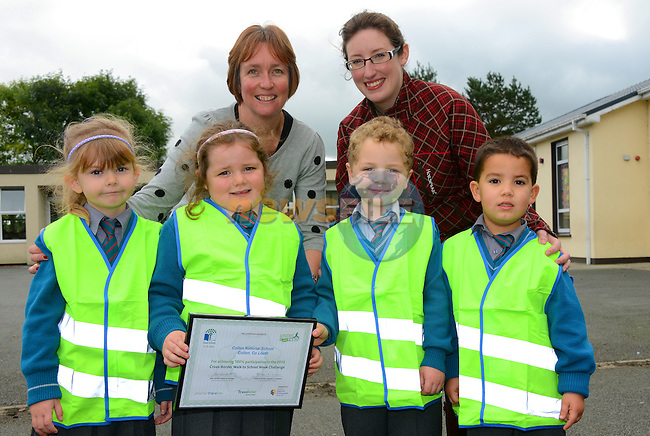 Collon National School Cross Border walk to school week challenge – Enya Donegan, Kate Hickey James Doherty and Conor Quinn with school Principal Anne Marie Martin and Sorcha Brophy from An Taisce.