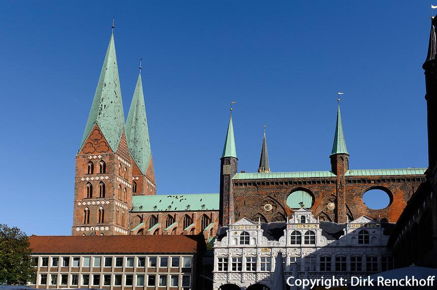 St.Marien und Rathaus (13.-16. Jh.) in Lübeck, Schleswig-Holstein, Deutschland