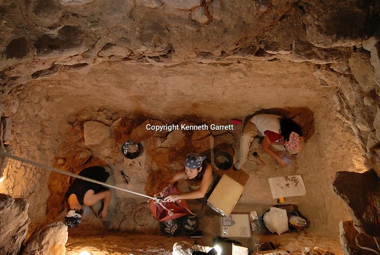 Ancient Cultures; Maya; Mayan; Maya rise and Fall; Guatemala; Site of Waka; El Peru;  classic tomb, Michele Rich, Varinia Matute, Jennifer Piehl,