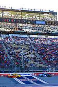 #22: Joey Logano, Team Penske, Ford Mustang Shell Pennzoil, #19: Martin Truex Jr., Joe Gibbs Racing, Toyota Camry Auto Owners Insurance