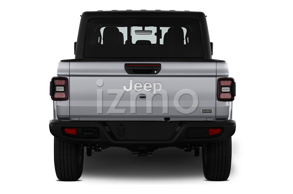 Straight rear view of a 2020 Jeep Gladiator Overland 4 Door Pick Up stock images