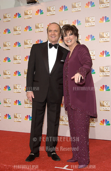BOB NEWHART & SUZANNE PLESHETTE at the 2002 Emmy Awards in Los Angeles..22SEP2002. © Paul Smith / Featureflash