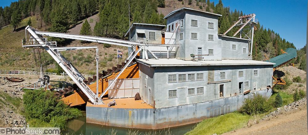 Yankee Fork Gold Dredge 1940-1952, Idaho, USA  | portfolio photoseek com