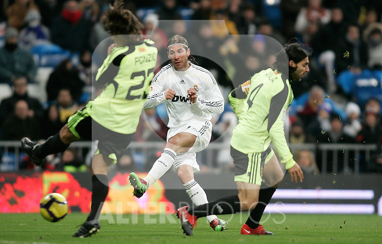 Real Madrid's Sergio Ramos during La Liga match, December 19, 2009. (ALTERPHOTOS/Alvaro Hernandez).