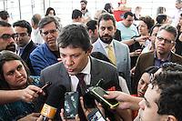 SÃO PAULO, SP, 18.08.2015- HADDAD-SP - Fernando Haddad (PT) prefeito de São Paulo durante cerimônia de reinauguração do Teatro Arthur Azevedo, no bairro da Mooca na região leste da cidade de São Paulo nesta terça-feira, 18. (Foto: Marcos Moraes / Brazil Photo Press)