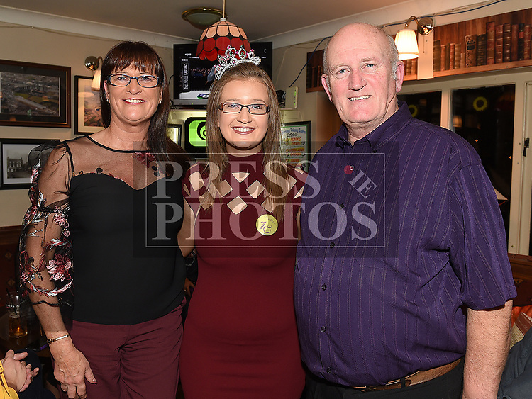 Caoimhe Connor celebrating her 18th birthday with grandparents Tom and Patricia Harrison in the Railway Arms. Photo:Colin Bell/pressphotos.ie