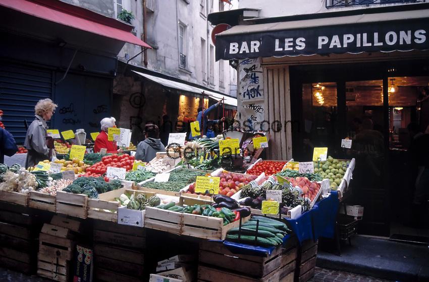 Frankreich, Paris: Markt in der Rue Mouffetard | France, Paris: Market at Rue Mouffetard