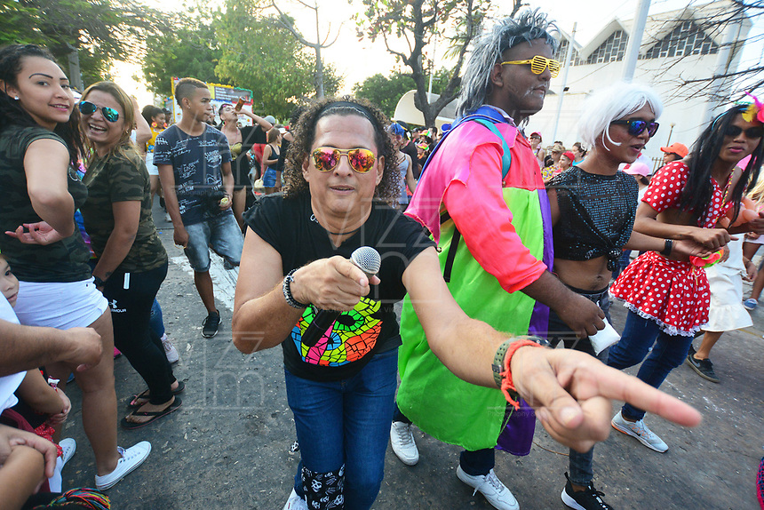BARRANQUILLA - COLOMBIA, 05-03-2019: Gente de todos los lugares se toman las calles para recrear al muerte de Joselito Carnaval con lo cual se da por finalizado el Carnaval de Barranquilla 2019, patrimonio inmaterial de la humanidad, que se lleva a cabo entre el 2 y el 5 de marzo de 2019 en la ciudad de Barranquilla. / People from everywhere take the streets to recreate the death of Joselito Carnaval with which is terminated the Barranquilla Carnival 2019, intangible heritage of mankind, that be held between March 2 to 5, 2019, at Barranquilla city. Photo: VizzorImage / Alfonso Cervantes / Cont.