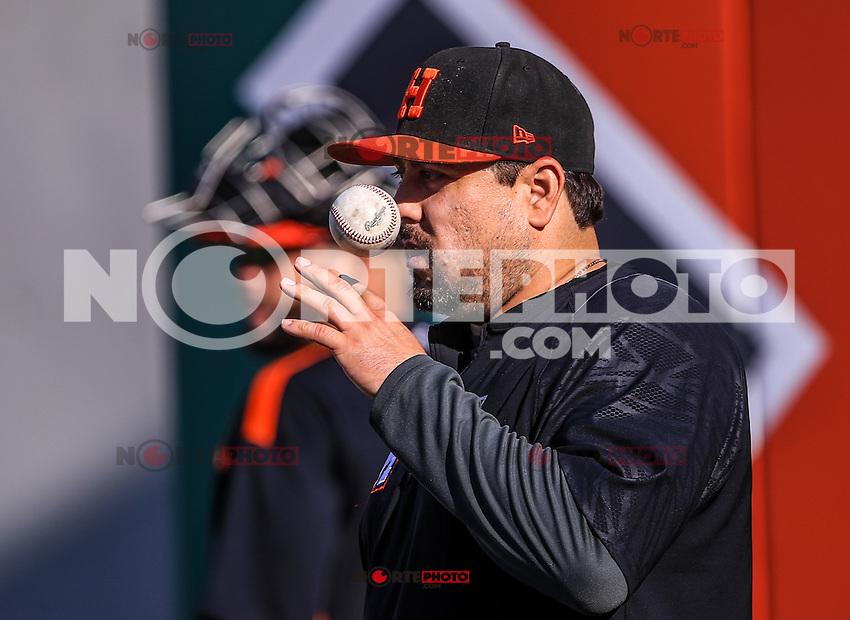 Heriberto Ruelas pitcher de naranjeros.<br /> Aspectos de entrenamiento previo al partido3 de beisbol entre Naranjeros de Hermosillo vs Yaquis de Obregon. Temporada 2016 2017 de la Liga Mexicana del Pacifico.<br /> &copy; Foto: LuisGutierrez/NORTEPHOTO.COM