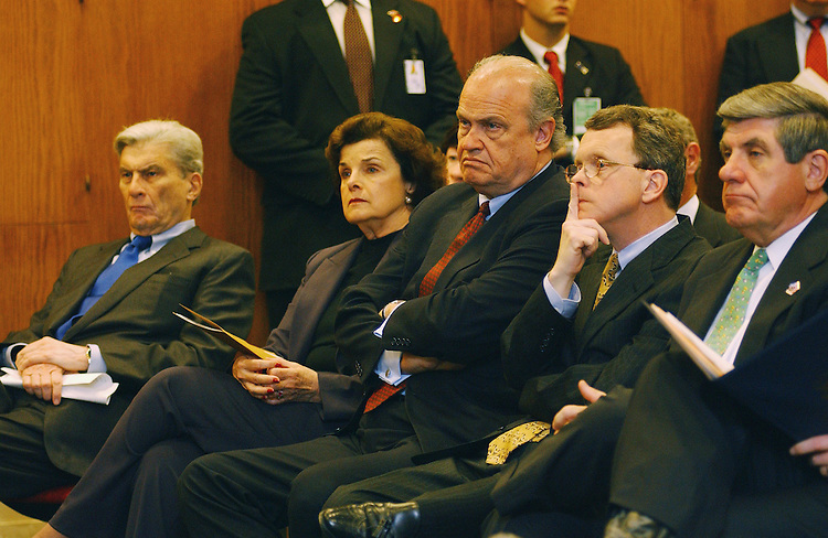 4/10/02.FORMER ISRAELI PRIME MINISTER NETANYAHU ADDRESSES SENATORS ON MIDDLE EAST CRISIS--Sen. John W. Warner, R-Va., Sen. Dianne Feinstein, D-Calif., Sen. Fred Thompson, R-Tenn., Sen. Mike DeWine, R-Ohio, and Sen. E. Benjamin Nelson, D-Neb., listen to former Israeli Prime Minister Benjamin Netanyahu during his address to Senate Intelligence members and other senators..CONGRESSIONAL QUARTERLY PHOTO BY SCOTT J. FERRELL