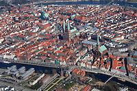 Luebeck: EUROPA, DEUTSCHLAND, SCHLESWIG- HOLSTEIN, LUEBECK, (GERMANY), 27.03.2007: Luebecks Kirchen, Kirche, Dom, Holstentor, Tor, Holsten, Innenstadt,  Stadtbild, historisch, gewachsen, eng , voll, Zentrum, Haus, Haeuser, Einfahrt,Luftbild, Luftaufnahme, Luftansicht.c o p y r i g h t : A U F W I N D - L U F T B I L D E R . de.G e r t r u d - B a e u m e r - S t i e g 1 0 2, 2 1 0 3 5 H a m b u r g , G e r m a n y P h o n e + 4 9 (0) 1 7 1 - 6 8 6 6 0 6 9 E m a i l H w e i 1 @ a o l . c o m w w w . a u f w i n d - l u f t b i l d e r . d e.K o n t o : P o s t b a n k H a m b u r g .B l z : 2 0 0 1 0 0 2 0  K o n t o : 5 8 3 6 5 7 2 0 9.C o p y r i g h t n u r f u e r j o u r n a l i s t i s c h Z w e c k e, keine P e r s o e n l i c h ke i t s r e c h t e v o r h a n d e n, V e r o e f f e n t l i c h u n g n u r m i t H o n o r a r n a c h M F M, N a m e n s n e n n u n g u n d B e l e g e x e m p l a r !.