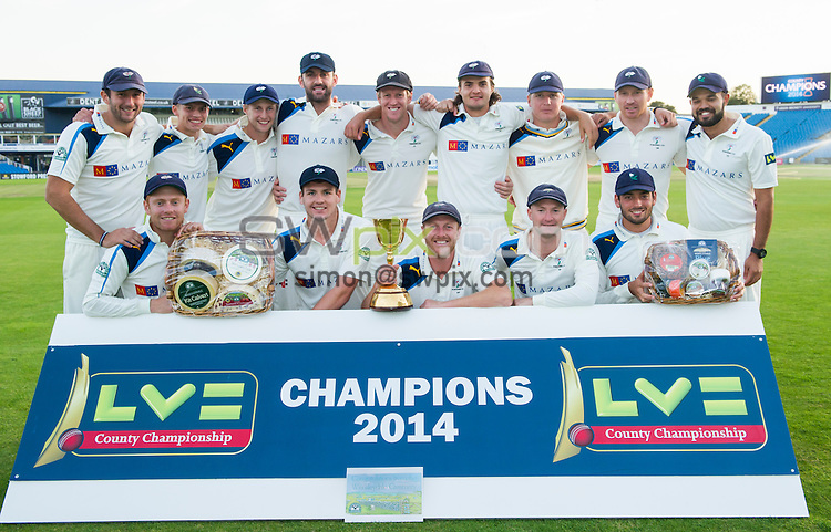 Picture by Allan McKenzie/SWpix.com - 26/09/2014 - Cricket - LV County Championship Div One - Yorkshire County Cricket Club v Somerset County Cricket Club - Headingley Cricket Ground, Leeds, England - Yorkshire's players with the Wensleydale Creamery hampers.
