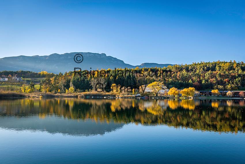 Italy, Alto Adige - Trentino (South Tyrol), Community Appiano sulla Strada del Vino, district Monticolo: Lago di Monticolo | Italien, Suedtirol, bei Bozen, Gemeinde Eppan, Ortsteil Montiggl: Montiggler See