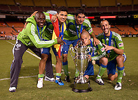 Jhon Hurtado, Fredy Montero, Leonardo Gonzalez, Osvaldo Alonso, Peter Vagenas. The Seattle Sounders defeated DC United, 2-1, to win the 2009 Lamr Hunt U.S. Open Cup at RFK Stadium in Washington, DC.