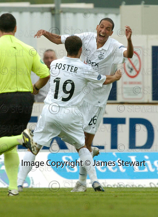 16/09/2006        Copyright Pic: James Stewart.File Name : sct_jspa06_falkirk_v_aberdeen.DYRON DAAL CELEBRATES AFTER HE SCORES ABERDEEN'S SECOND...Payments to :.James Stewart Photo Agency 19 Carronlea Drive, Falkirk. FK2 8DN      Vat Reg No. 607 6932 25.Office     : +44 (0)1324 570906     .Mobile   : +44 (0)7721 416997.Fax         : +44 (0)1324 570906.E-mail  :  jim@jspa.co.uk.If you require further information then contact Jim Stewart on any of the numbers above.........