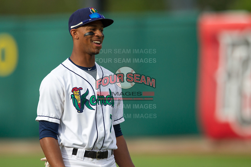 Cedar Rapids Kernels outfielder Byron Buxton #7 smiles prior to a game against the Kane County Cougars at Veterans Memorial Stadium on June 8, 2013 in Cedar Rapids, Iowa. (Brace Hemmelgarn/Four Seam Images)