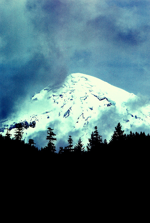 Washington: Mt. Rainier, photo: warain103  .Photo copyright Lee Foster, www.fostertravel.com, 510/549-2202, lee@fostertravel.com