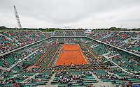 Paris, France, 03 June, 2016, Tennis, Roland Garros, Semifinal women, Overal view of court Philippe Chatrier with Kiki Bertens (NED) in her match against Serena Williams (USA)<br /> Photo: Henk Koster/tennisimages.com