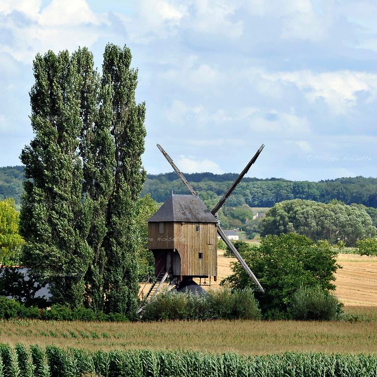 Le Moulin de Patouillet à Charcé Saint-Ellier (49).