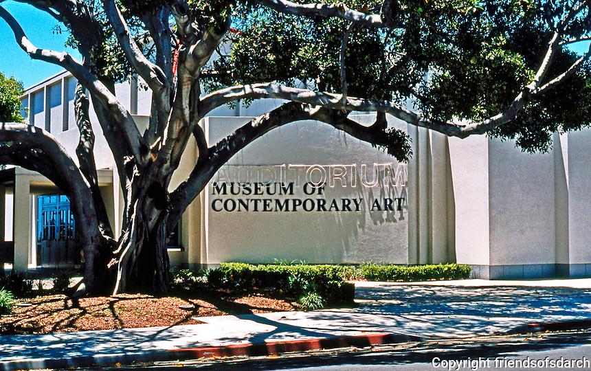 Robert Venturi: Museum of Contemporary Art, La Jolla, CA. Facade re-design. 1995?  Photo '97.