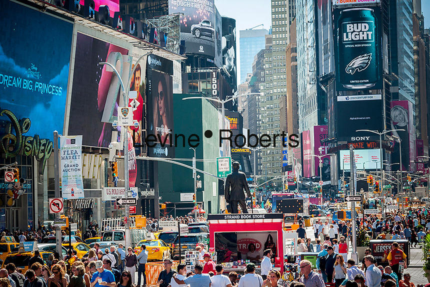 Herds of tourists in Times Square in New York on Thursday, September 15, 2016.  (© Richard B. Levine)