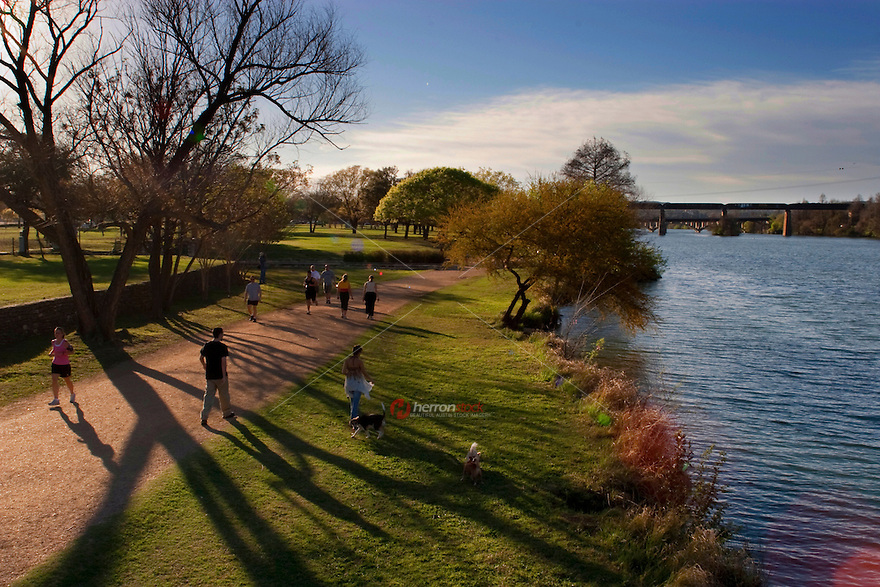 This Beautiful gravel pathway circles Town Lake. and is very popular for off-road bicycling, outdoor running, and strolling through Lake Austin by foot.