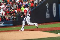 Mike Avilez de Puerto Rico conecta un triple , durante el partido entre Italia vs Puerto Rico, World Baseball Classic en estadio Charros de Jalisco en Guadalajara, Mexico. Marzo 12, 2017. (AP Photo/Luis Gutierrez)